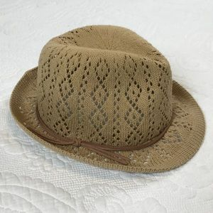 Jessica Simpson Accessories - Tan Jessica Simpson Woven Summer Fedora
